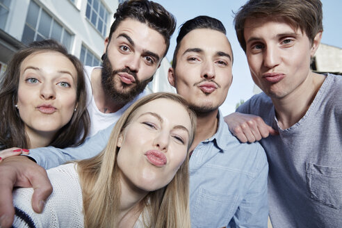 Group of friends pouting for a selfie - STKF000909