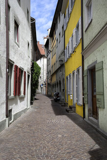 Germany, Baden-Wuerttemberg, Constance district, Constance, Oldtown, Alley with houses - ELF001097