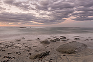 New Zealand, South Island, Tasman, Kahurangi Point, dusk at the beach - SHF001516