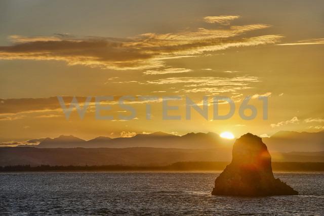 New Zealand, South Island, Nelson, sunset over Arrow Rock - SHF001569