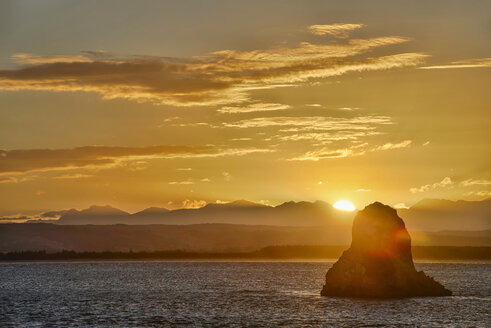 New Zealand, South Island, Nelson, sunset over Arrow Rock - SHF001569