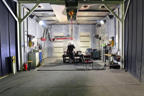 Workplace of a welder - LYF000168