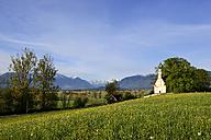 Germany, Bavaria, Upper Bavaraia, Murnau, Murnauer Moos, Ester Mountains, St. George Church - LHF000364