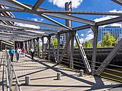 Germany, Hamburg, HafenCity, Magellan-Terrassen, Sandtorkai, Bridge - AM002488