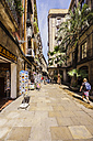 Spain, Barcelona, Sant Pere, pedestrian area wit shops - THAF000527