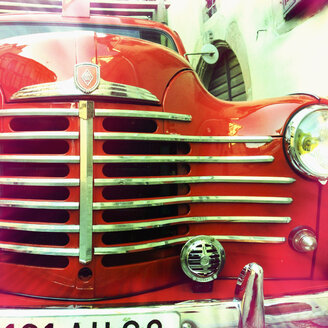 Old Renault Firetruck, classic car, old, french, France - MS004072