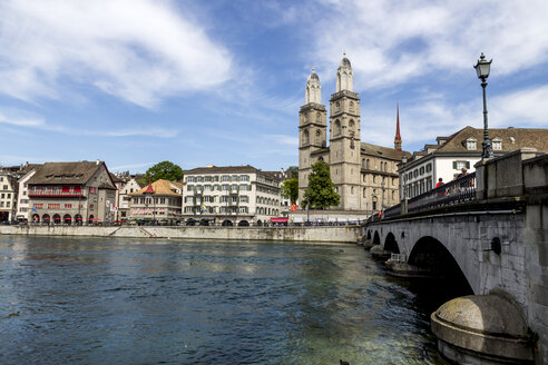 Switzerland, Zurich, view to great minster with Limmat River in the foreground - EJWF000427