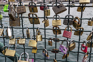Switzerland, Zurich, fence of Muehlesteg with love locks - EJW000435