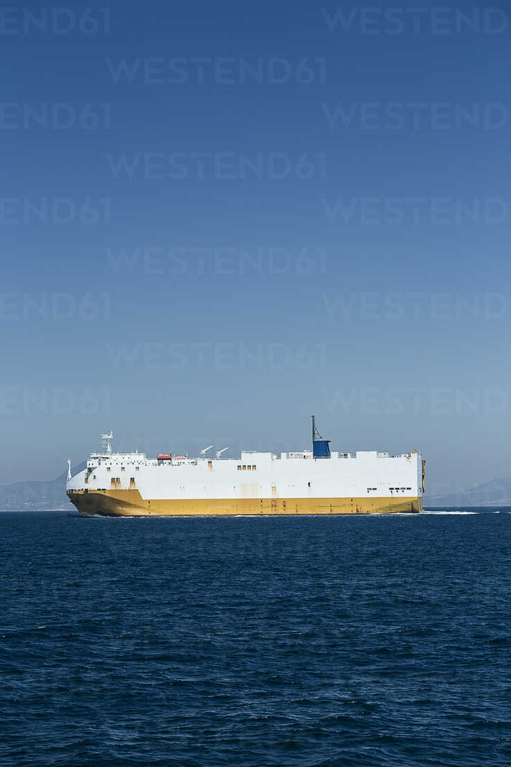 Spain, Andalusia, Taria, Strait of Gibraltar, Car ferry - KB000072 - Sebastian Kanzler/Westend61