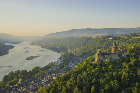 Germany, Rhineland Palatinate, Bacharach, Stahleck Castle, Upper Middle Rhine Valley in the evening - WGF000355