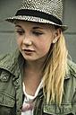 Blond teenage girl wearing a hat - UUF001404