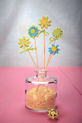 Still life with flowers made out of fondant - VTF000340