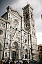 Italy, Tuscany, Siena, view to cathedral Santa Maria del Fiore - SBD001019