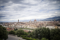 Italy, Tuscany, Florence, city view from Piazzale Michelangelo - SBDF001042