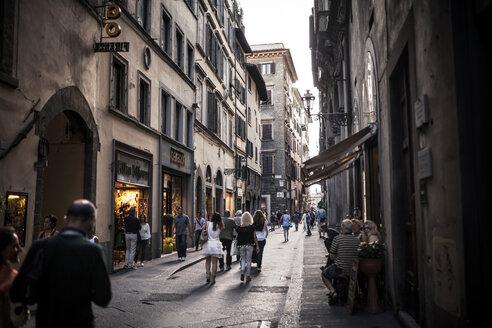 Italy, Tuscany, Florence, street scene - SBDF001098