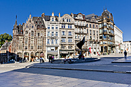 Belgium, Brussels, view to fountain and old buildings at Mont des arts - AMF002592