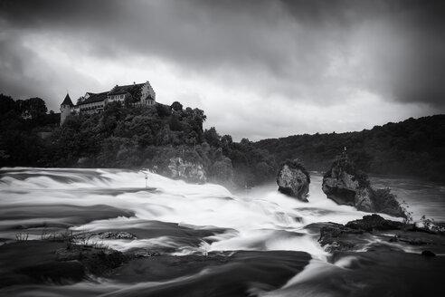 Switzerland, Canton of Schaffhausen, Schaffhausen, Rhine falls with Laufen Castle - EL001205