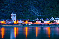 Germany, Rhineland-Palatinate, St. Goarshausen in the evening - WGF000383