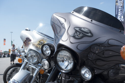 Headlight of a Harley Davidson - JWA000187