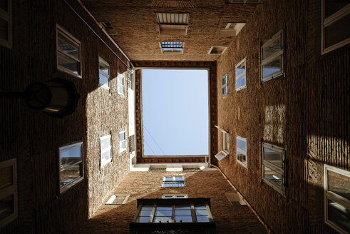 Spain, backyard of multi-family house, view from below - JP000001