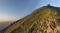Austria, Tyrol, Schwaz district, Peak of Kellerjoch with Kreuzjoch Chapel - MKFF000052