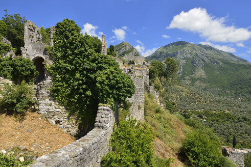 Montenegro, Crna Gora, Rumija Mountains, City walls of the historic settlement Old Bar - ES001307