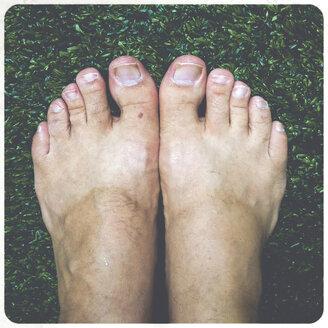 Man's feet, Close-Up - SHI000045