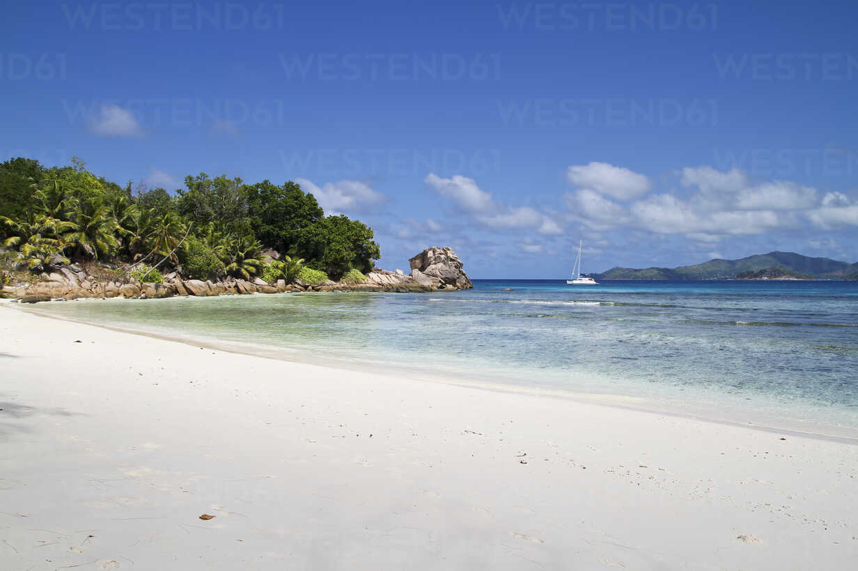 Seychelles, View of the Anse Severe Beach at La Digue Island - KRPF000736 - Kristian Peetz/Westend61