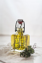 Thyme oil, thyme twigs in olive oil - SBDF001148