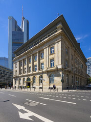 Germany, Hesse, Frankfurt, old building of Deutsche Bank with Commerzbank Tower in background - AMF002680