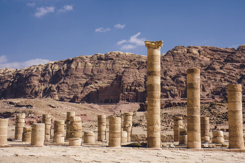 Jordan, Petra, Ancient collumns - FLF000512