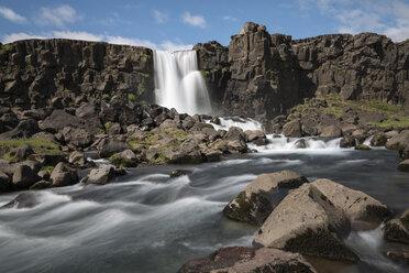 Iceland, Thingvellir, Oexarafoss Waterfall - MKFF000091
