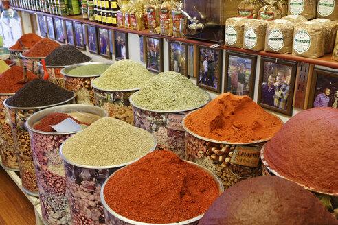 Turkey, Gaziantep, spices on a bazaar - SIE005813