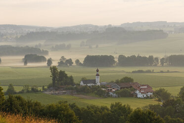 Germany, Bavaria, morning mood in Bad Endorf - SIEF005831