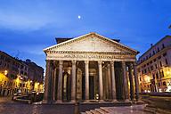 Italy, Lazio, Rome, Pantheon, Piazza della Rotonda in the evening - GW003106