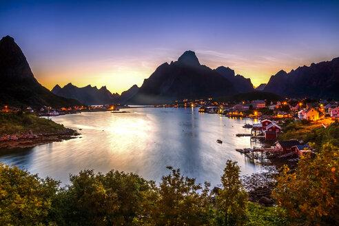 Norway, Lofoten, Vestvagoey, view to Reine at evening twilight - PUF000035