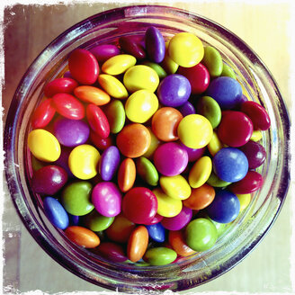 Glass with coloured chocolate beans, Germany - MEMF000422