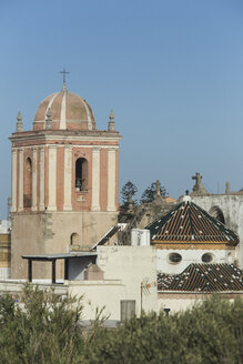 Spain, Andalusia, Tarifa, Old town, dome of a church - KBF000118