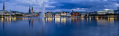 Germany, Hamburg, Inner Alster and Alster fountain in the evening, Panorama - KRPF001016
