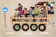 School children in school bus - BAEF000914