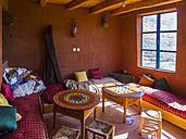 Morocco, Marrakesh-Tensift-El Haouz, Loam house, Room, interior view - AM002762