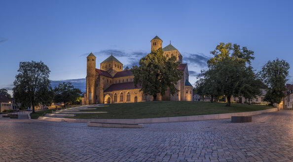 Germany, Lowe Saxony, Hildesheim, St. Michael's Church in the evening - PVCF000095