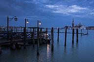 Italy, Venice, gondolas at dusk with view to San Giorgio Maggiore - APF000014