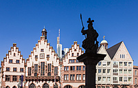 Germany, Hesse, Frankfurt, view to historical city hall with statue in the foreground - WDF002631