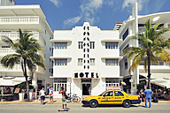 USA, Florida, Miami Beach, Ocean Drive - BR000637