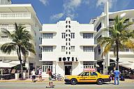 USA, Florida, Miami Beach, Ocean Drive - BR000637