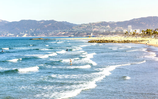 USA, California, Santa Monica, northwest view of Santa Monica Beach - JLRF000006
