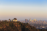 USA, California, Los Angeles, Skyline and Griffith Observatory in the evening - FO006963