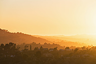 USA, California, Los Angeles, Villas in the Hollywood Hills at sunset - FOF006990