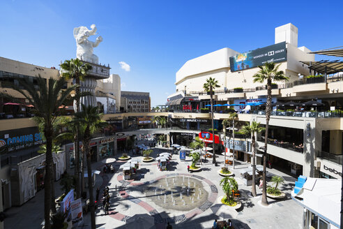 USA, California, Los Angeles, Hollywood, Hollywood Boulevard, Hollywood and Highland Center, Shopping mall and entertainment complex - FO006925